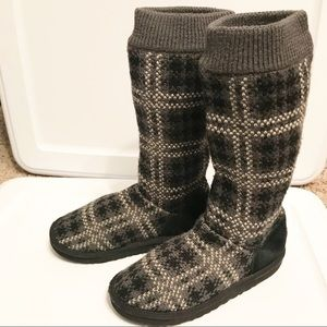 UGG jester plaid boots size 2
